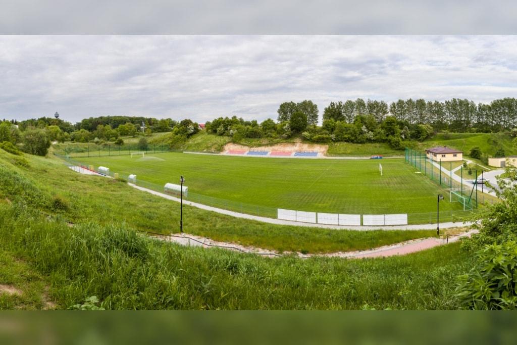 Boisko sportowe w Debrznie